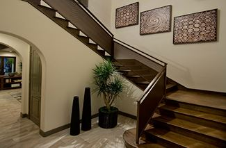 NEW Capella Residence3 EntryStairwell1 720x472